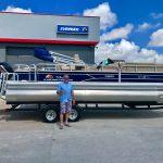 Sun Tracker 22 Fishin Barge