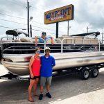 Sun Tracker Fishin Barge 20 DLX